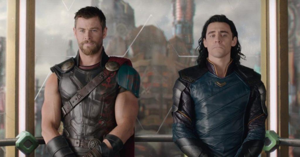 """Thor : Ragnarok หนังตลกชัดๆ สนุกตามสูตรมาร์เวล หลายฉาก """"ตลกไม่ดูเวล่ำเวลา"""" จนดราม่าไม่ถึง"""