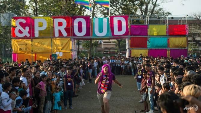 เมียนมา จัดเทศกาลLGBTอย่างเปิดเผยครั้งเเรก เเม้ความสัมพันธ์รักเพศเดียวกันยังผิดกฎหมาย
