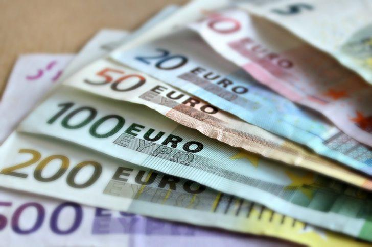 ค่าเงินยูโรอ่อนค่า หลังเผยตัวเลขเศรษฐกิจที่อ่อนแอ