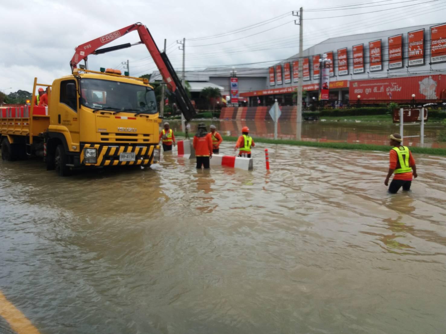 น้ำเริ่มลด! กรมทางหลวงอัพเดตน้ำท่วมถนนผ่านไม่ได้ 12 แห่ง แนะทางเลี่ยงอุบล-ยโสธร