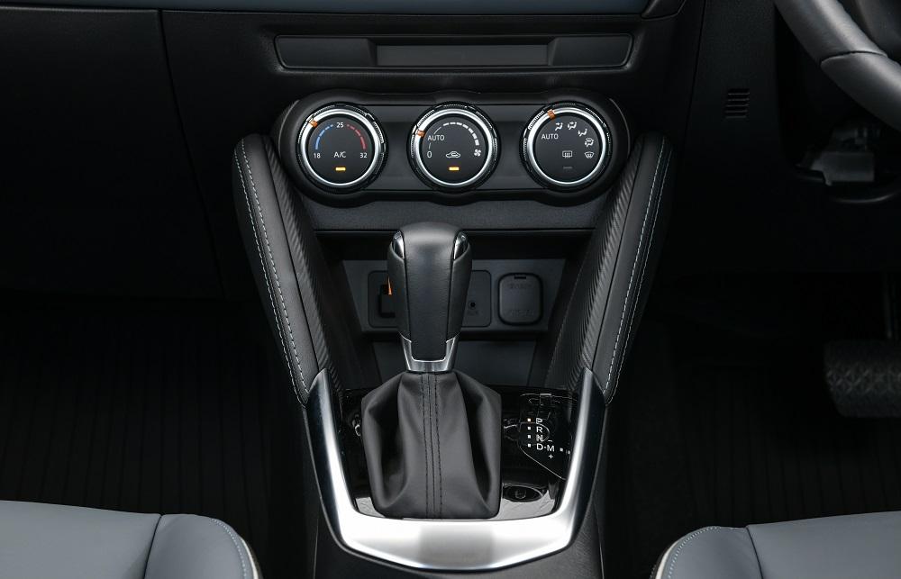 ภายในมาสด้า 2 ใหม่ (Mazda 2)