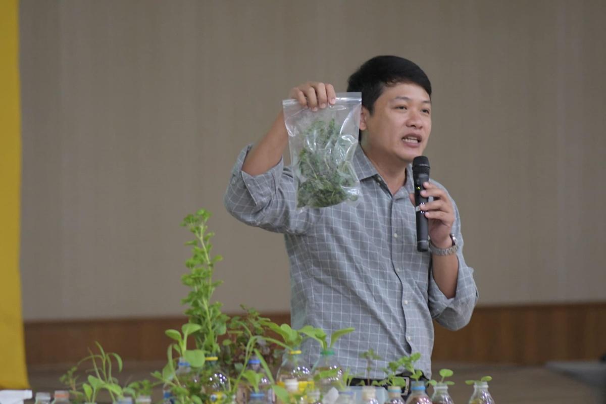 """โครงการปลูกผักไร้ดิน """"ที่ว่าง กินได้"""" จัดโดย รฟม."""