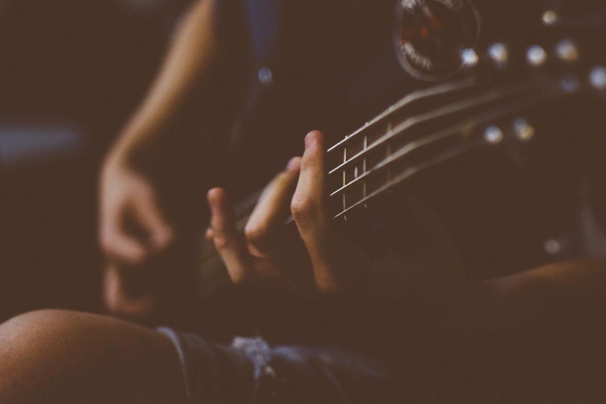 ดนตรีบำบัด ช่วยเยียวยาสังคม – สังคม