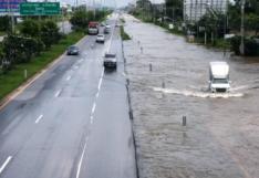 กรมทางหลวง เปิดจุดน้ำท่วมบนถนนสายหลัก บางจุดท่วม 2 เมตร