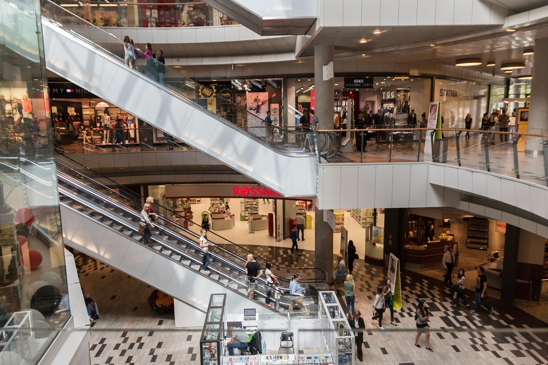 คลายล็อกหนุนไฮซีซั่น-ห้างทราฟฟิกพุ่ง – ท่องเที่ยว